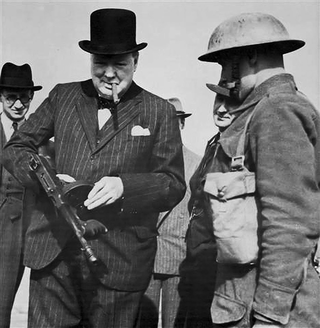 Winston Churchill with a Tommy Gun during an inspection near Harlepool 1940