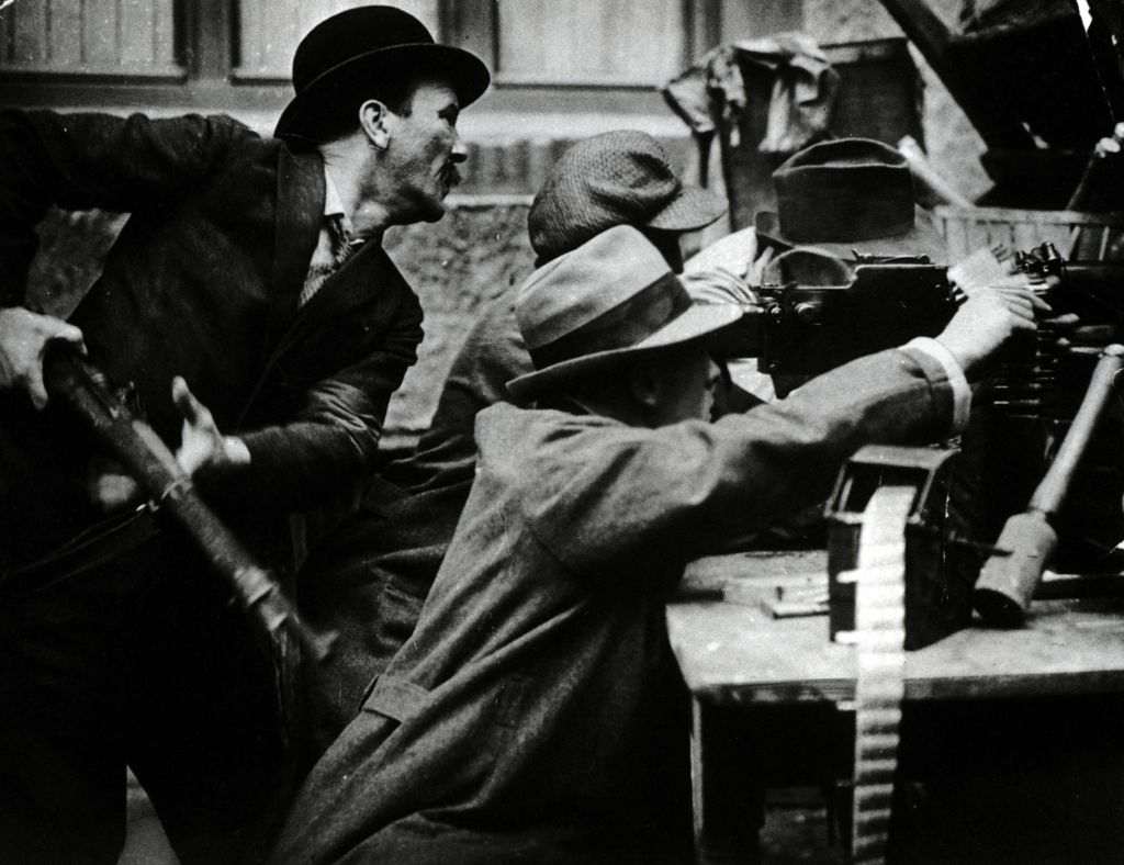 German revolutionaries in 1919 street fighting