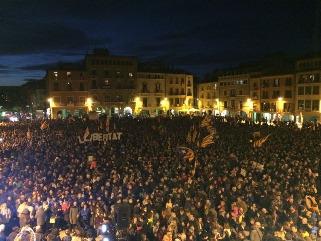 Hundreds of thousands of Catalans took to the streets demanding independence Image fair use