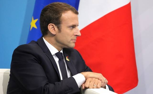 The bourgeois pinned their hopes on centre candidate Emmanuel Macron Image Kremlin ru